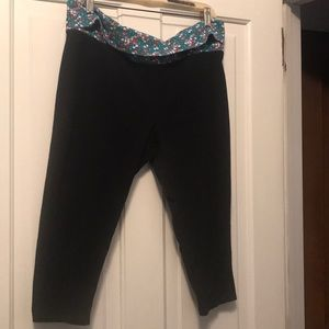 2 pairs of Capri workout pants